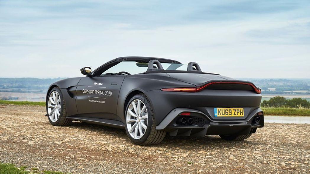 Aston Martin: dal 2025 niente cambio Manuale
