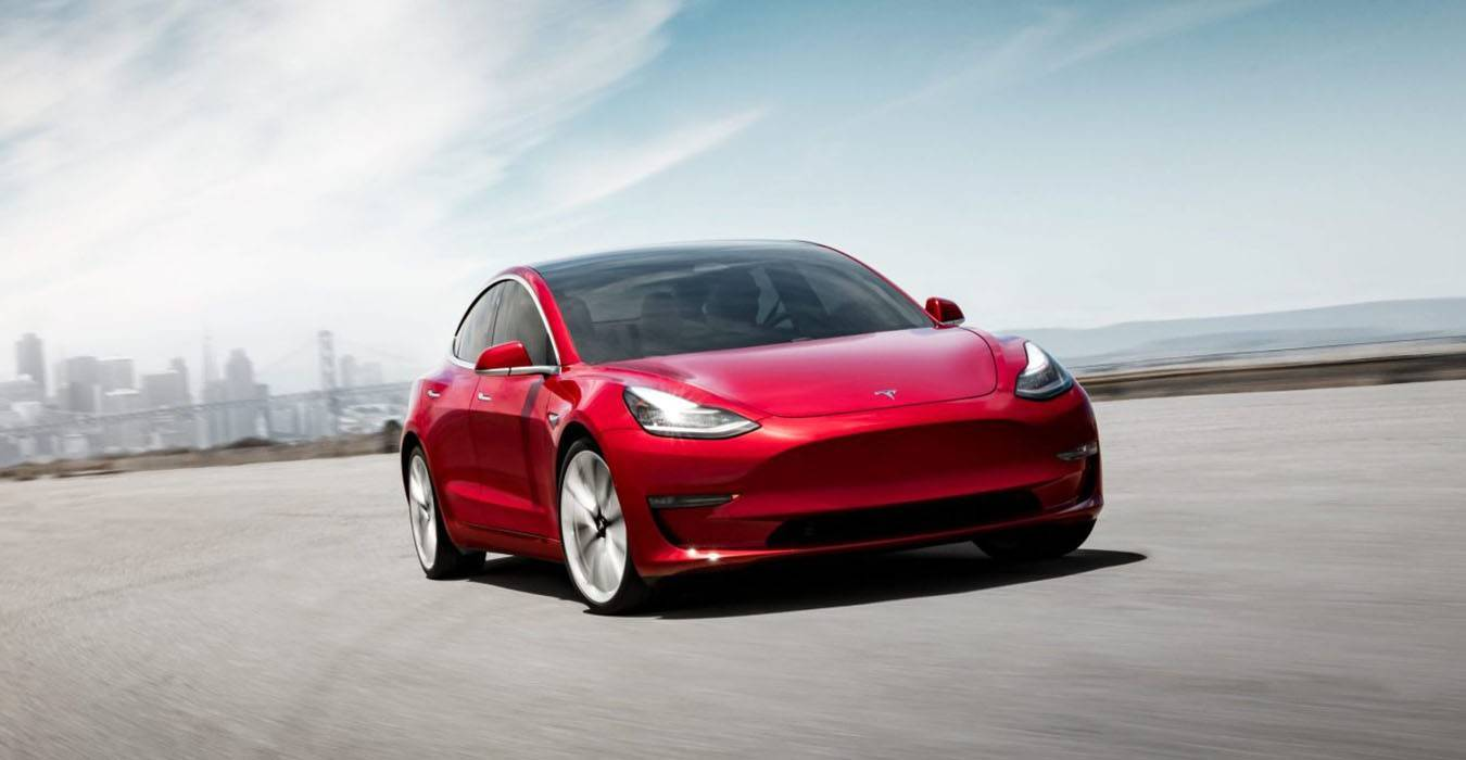 NHTSA mette sotto accusa 500.000 Tesla negli Usa