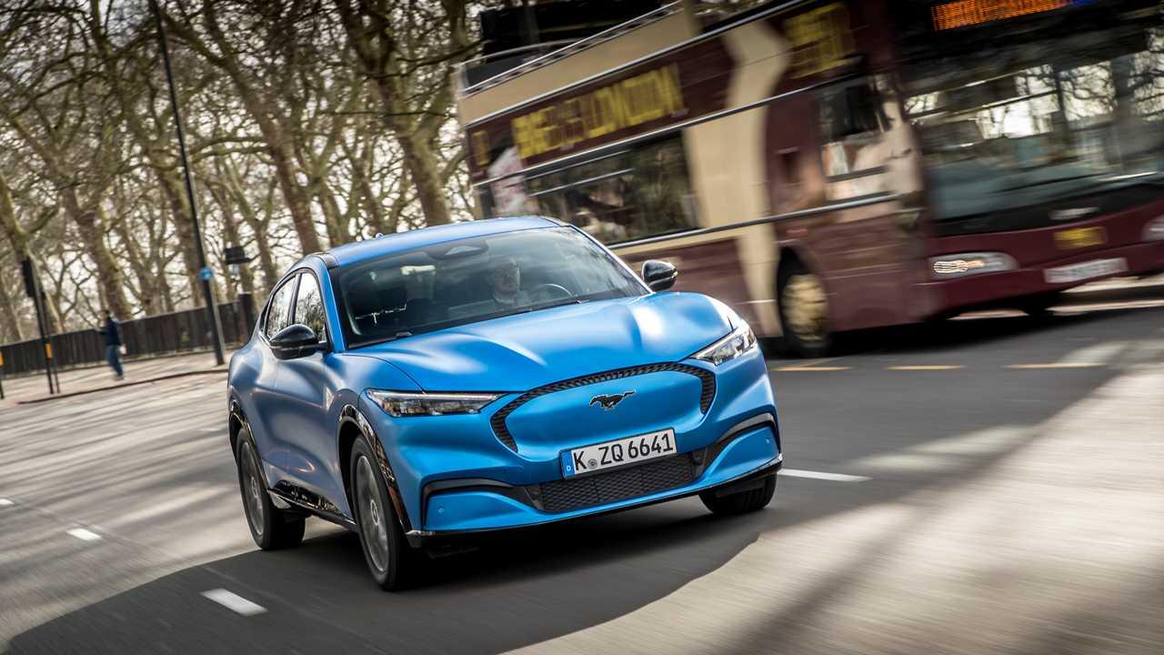 E' boom di auto blu: ennesimo flop della