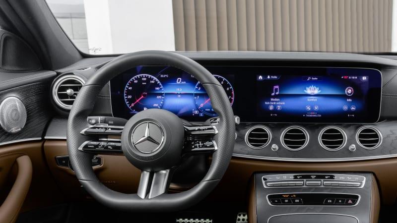 Nuova Mercedes-Benz Classe E 2021, ecco il Volante Touch