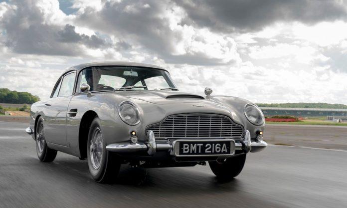 Aston Martin DB5, 25 esemplari rinasce il mito di Goldfinger