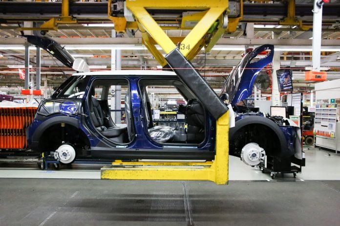 Mini taglia 4.000 posti di lavoro nella fabbrica di Oxford