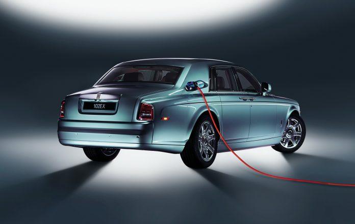 Clamoroso Rolls-Royce passa all'Elettrico entro il 2030!