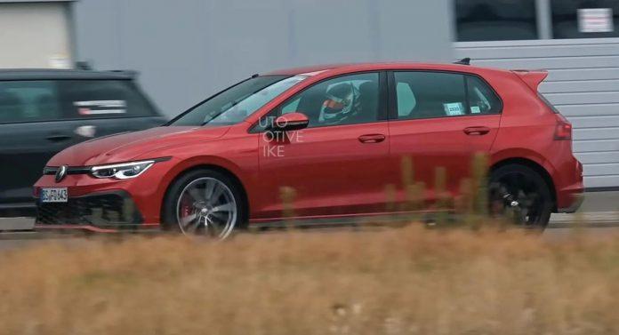 Nuova Volkswagen Golf 8 TCR 2021, la più cattiva nei Test (VIDEO)