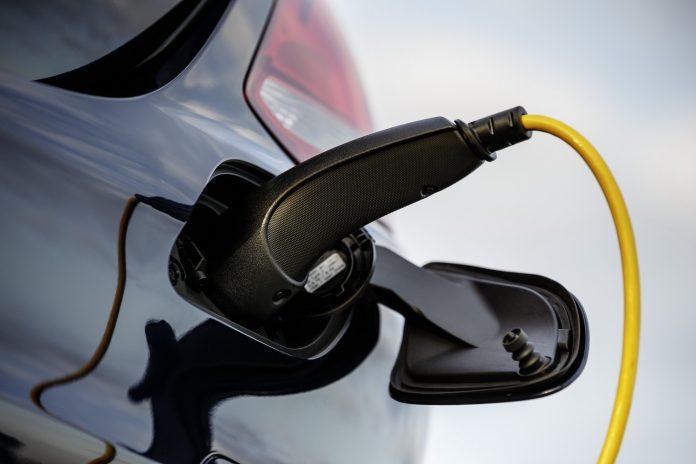 Auto Ibride Plug-in più inquinanti di quelle con il solo Motore Termico
