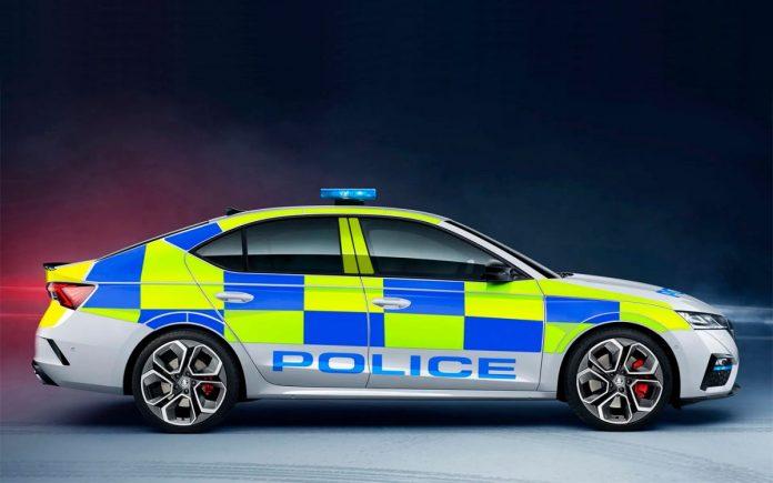 Nuova Skoda Octavia RS 2021, la versione della Polizia inglese
