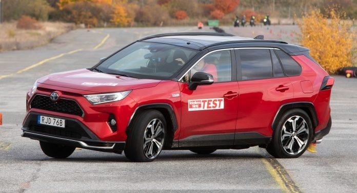 Toyota RAV4 ibrida fallisce il Test dell'Alce [VIDEO]
