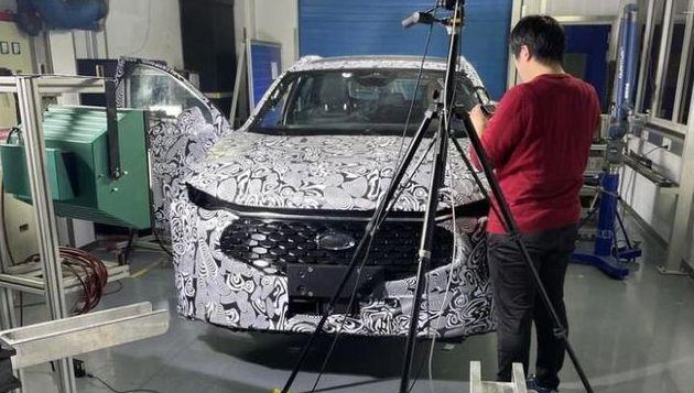Nuova Ford Mondeo 2022, arriva un Crossover ecco le Foto