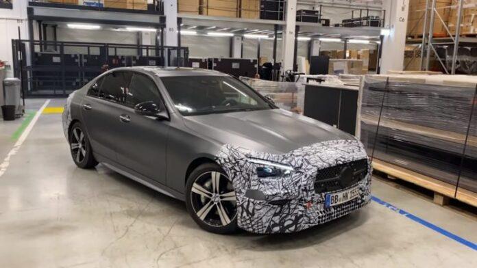 Nuova Mercedes-Benz Classe C 2021, gli interni in Anteprima [VIDEO]