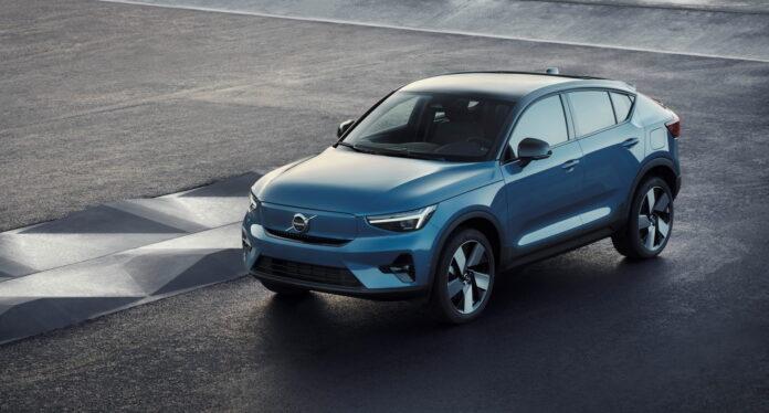 Nuova Volvo C40 2022, Crossover elettrico e coupé