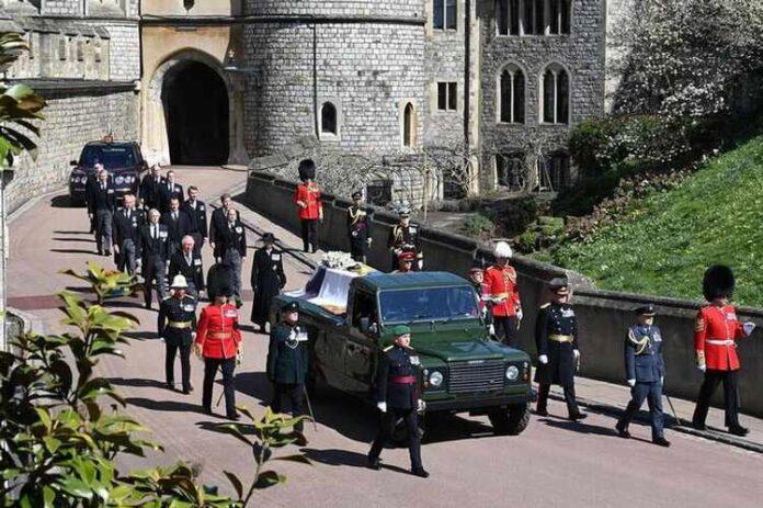 Funerale del Principe Filippo, perché una Land Rover Defender?
