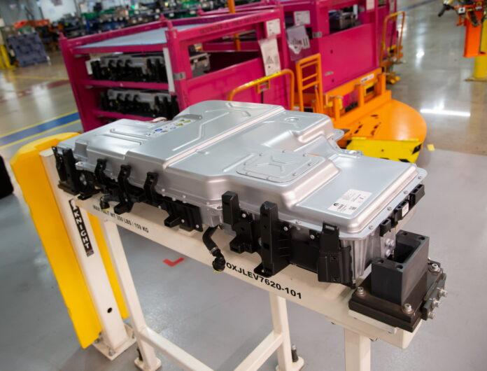 Dall'Italia 1 Miliardo di euro per la fabbrica di batterie Stellantis