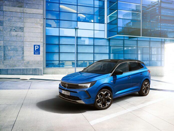 Nuova Opel Grandland 2022, il Restyling in Anteprima